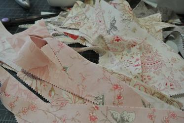 Papillon afternoon quilt tutorial odds hens for Tutorial papillon